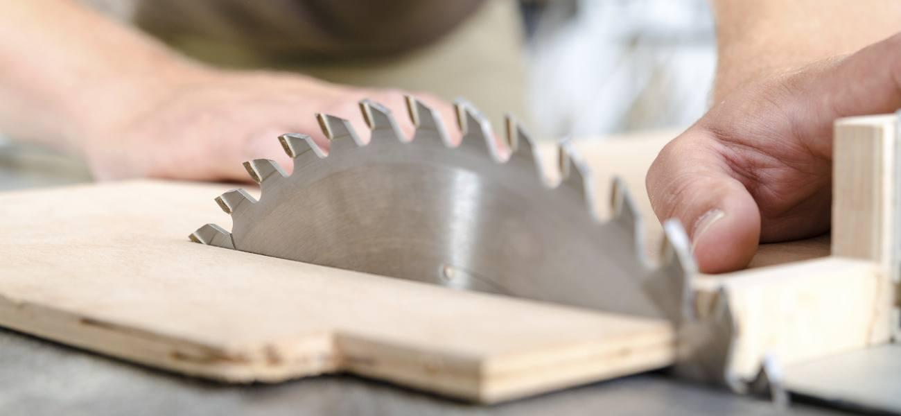 Scie ooreka - Comment couper droit avec une scie sauteuse ...